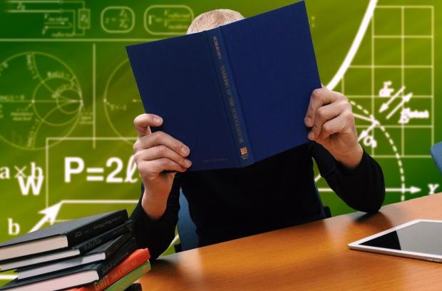 Reforma oświaty: Wszystkie podręczniki dla szkoły podstawowej będą darmowe