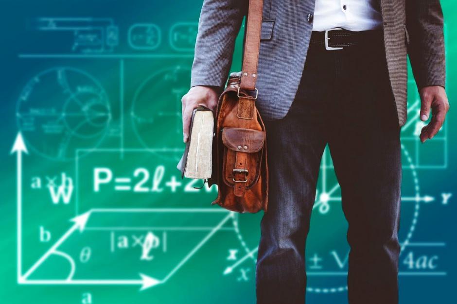 Samorządy dostaną dodatkowe pieniądze dla nauczycieli dojeżdżających do ucznia?