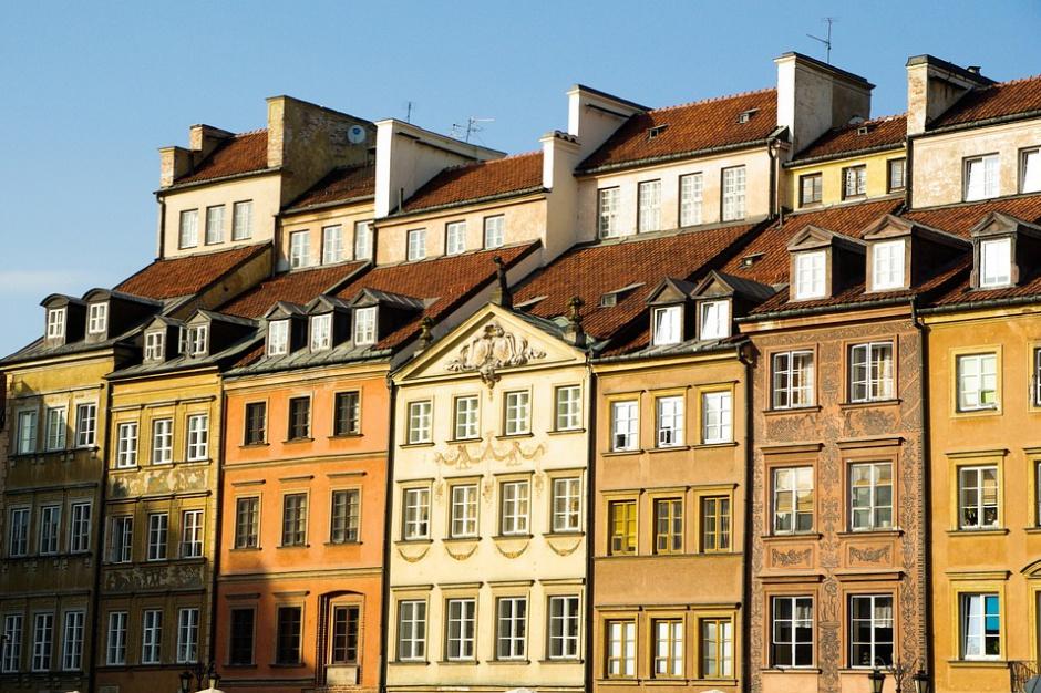 Warszawa porządkuje sprawy kamienic z wnioskami o zwrot