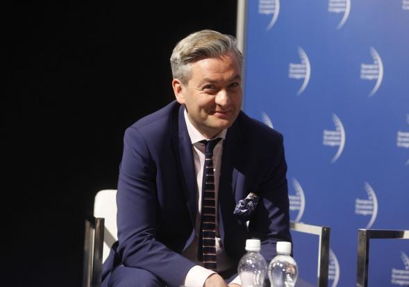 Robert Biedroń wybiera się do Beaty Szydło. Chce też większego Słupska