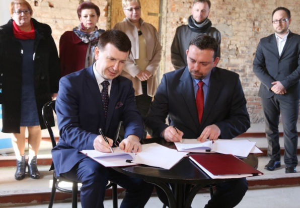 Podpisano umowę na budowę Ostrowieckiego Browaru Kultury