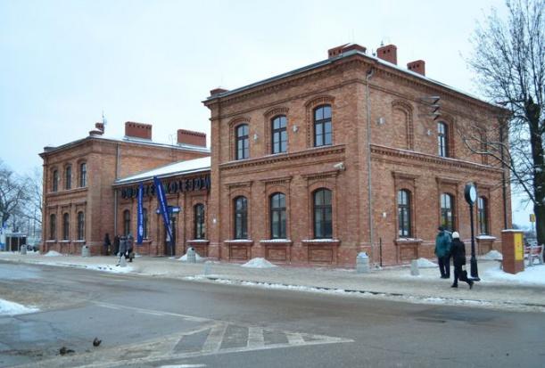 Dworce w Dąbrowie Górniczej do rewitalizacji, dworzec w Chorzowie do wyburzenia