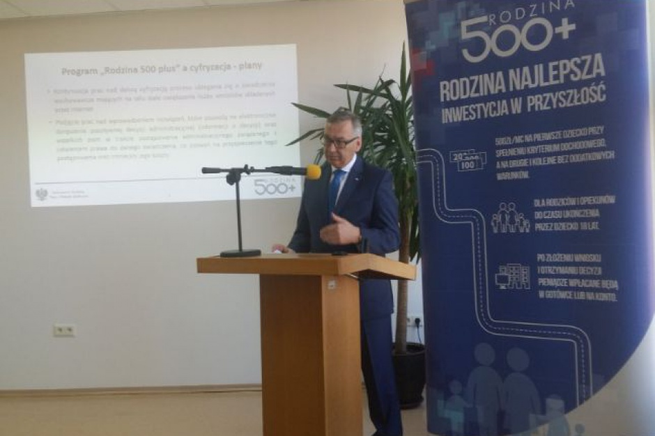 Za realizację 500plus Stanisław Szwed chwali gminy, gani województwa