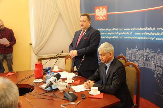 Promesy przekazał w Białymstoku wiceszef MSWiA Jarosław Zieliński (fot.bialystok.uw.gov.pl)
