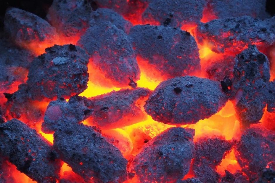 Krakowscy radni apelują o zakaz stosowania węgla w 14 gminach