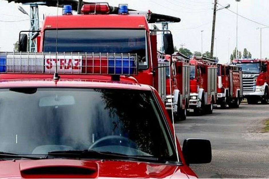 Po wichurach jedna ofiara śmiertelna, ponad 800 interwencji strażaków