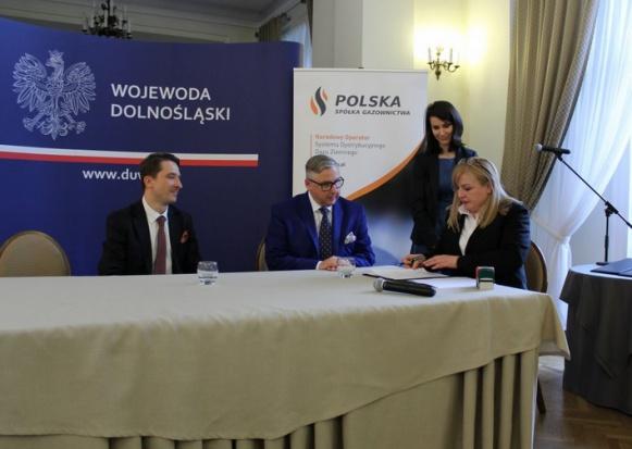 Dolnośląscy samorządowcy podpisali listy intencyjne ws. rozwoju sieci gazowej