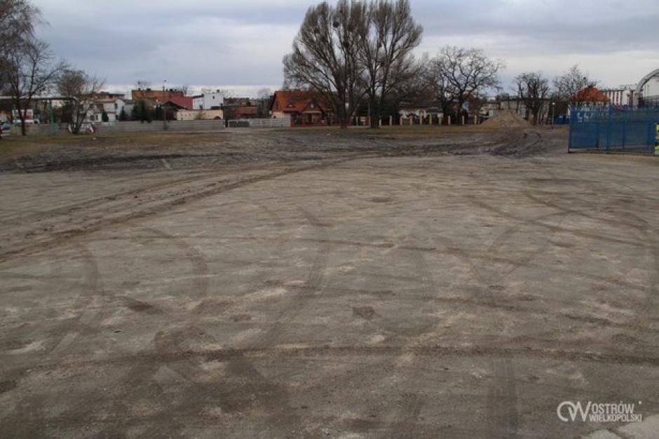 W Ostrowie Wlkp. powstanie parking buforowy na 112 miejsc