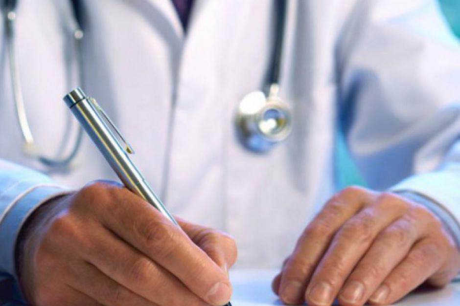 Lekarze wolą emigrować niż pracować w Polsce