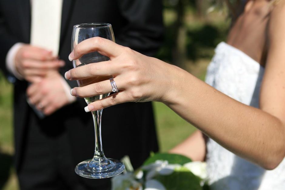 Nowożeńcy wybaczyli wójtowi, że udzielił im ślubu po pijanemu