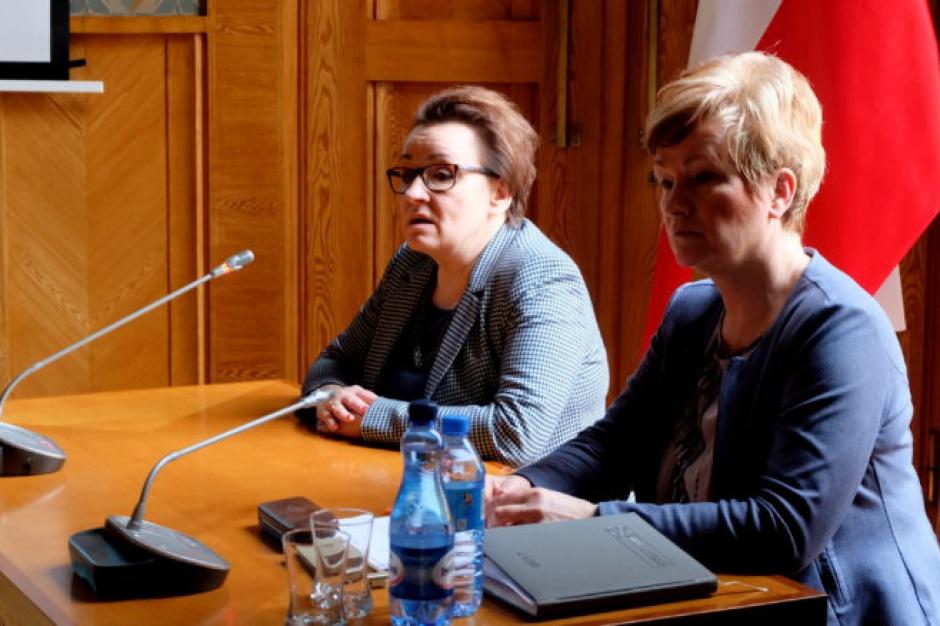 Subwencja oświatowa: Minister edukacji o nowym modelu podziału kwoty podstawowej