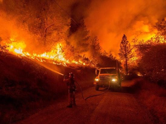 Strażacy straszą karami za wypalanie traw
