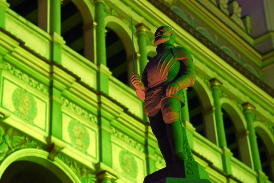 Poznański ratusz rozbłysnął na zielono