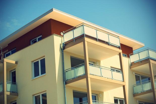 Mieszkania, budowa: W Polsce powstaje coraz więcej mieszkań