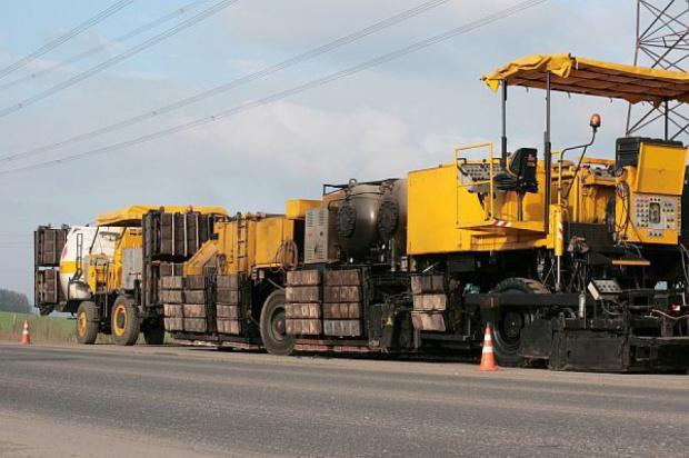 Miliony dla podlaskiego i warmińsko-mazurskiego na modernizację dróg krajowych