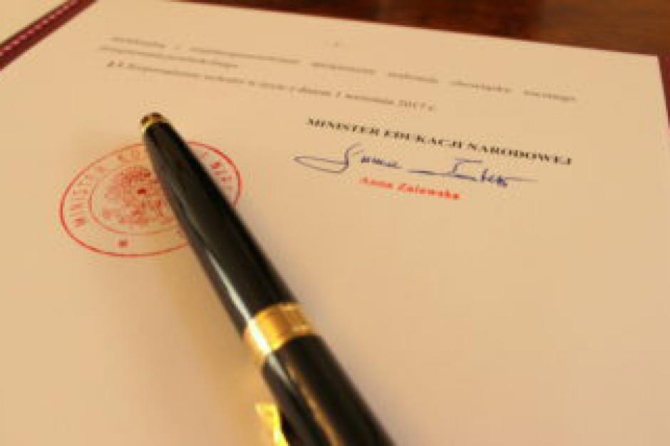 Podstawy programowe kształcenia w zawodach podpisane