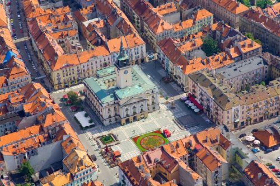 Ruszyły prace archeologiczne na Głównym Rynku w Kaliszu