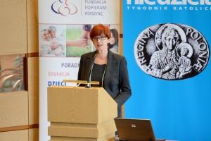 Rafalska: wzrost urodzeń dzieci w styczniu to m.in efekt 500 plus