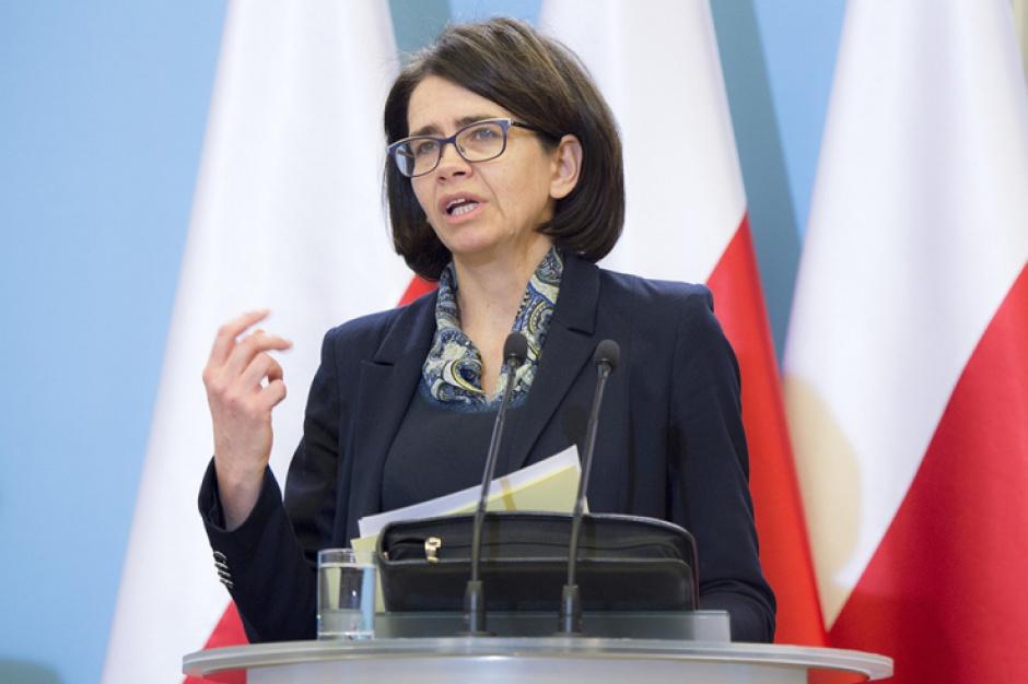 - Żyjemy w zupie elektromagnetycznej i niemal wszystko wydziela promieniowanie - mówi Anna Streżyńska, minister cyfryzacji. (fot.:mc.gov.pl)