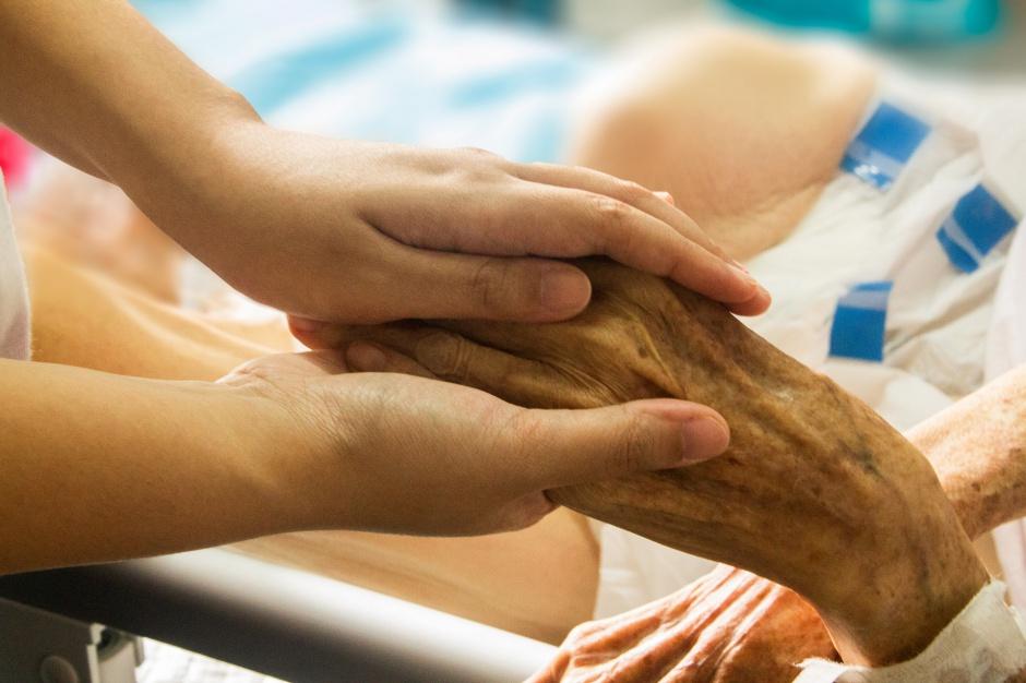 Limity na umieranie: Na hospicjum trzeba czekać latami. Ale to się zmieni