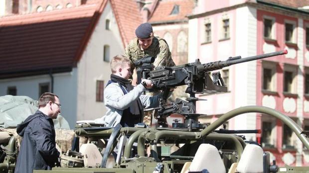 We Wrocławiu odbył się piknik z udziałem wojsk NATO