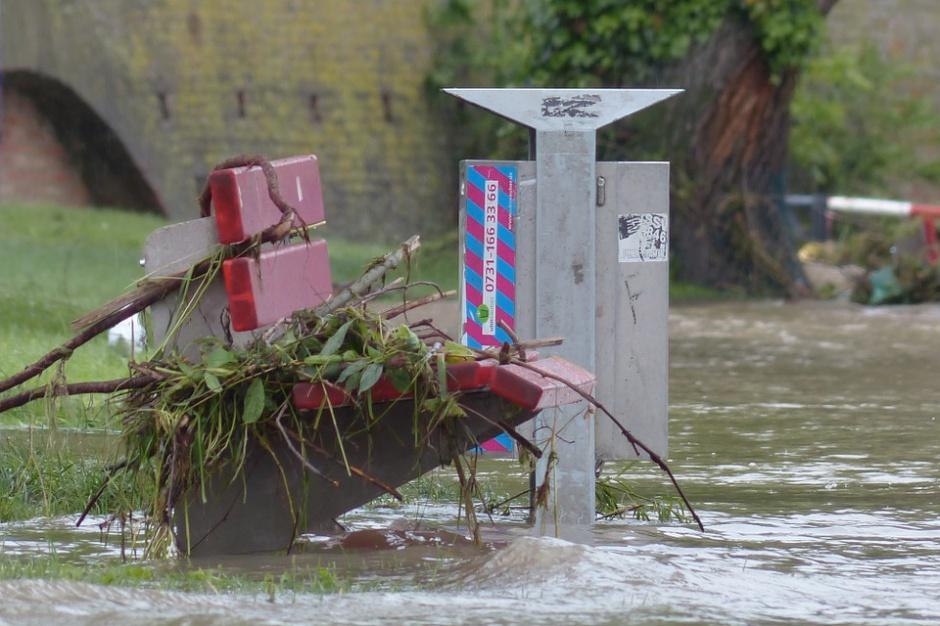 Więźniowie będą pomagać samorządom w razie klęsk żywiołowych