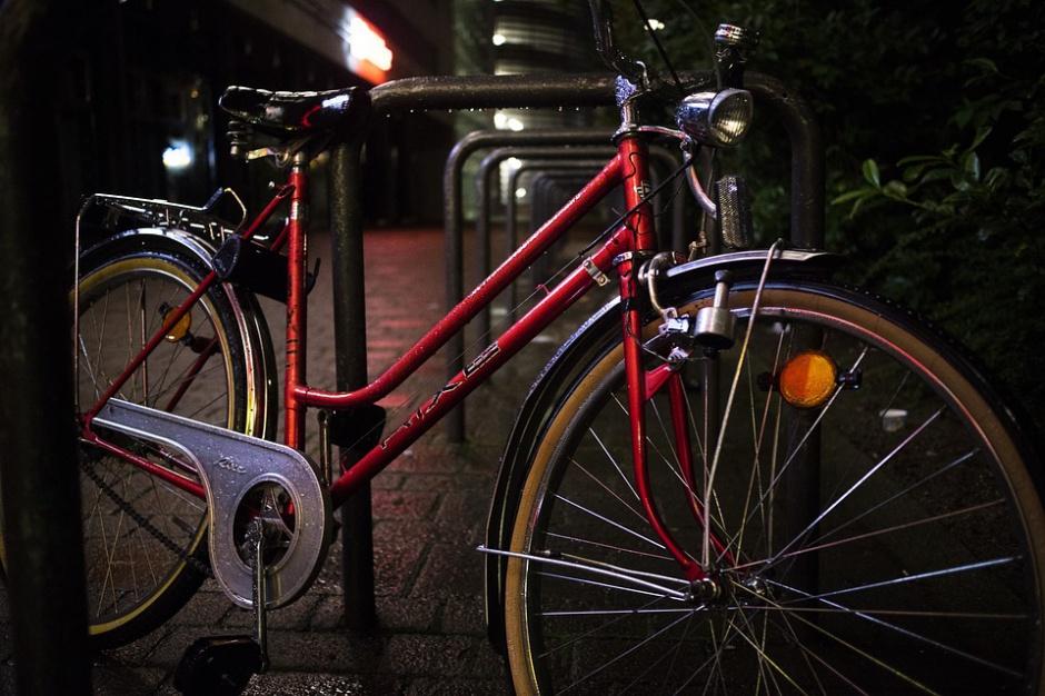 PKP PLK zamontuje przy dworcach stojaki na rowery