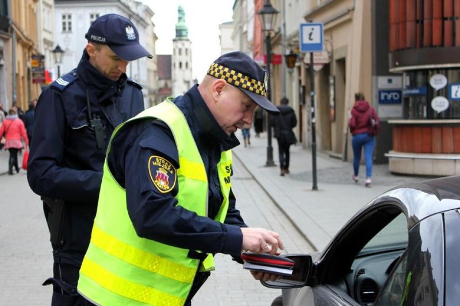 Kraków kontroluje spaliny w samochodach