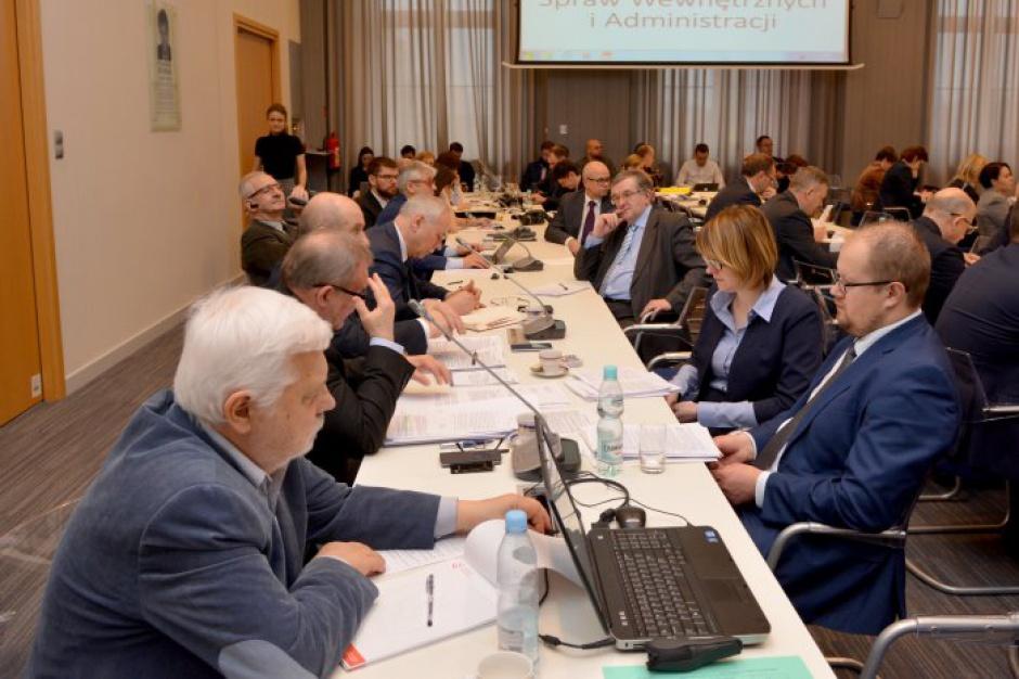 Samorządy nie zawieszą prac w komisji wspólnej