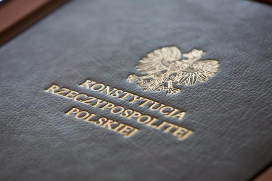Warszawa, 20. rocznica uchwalenia Konstytucji RP: Aktorzy przeczytają fragmenty