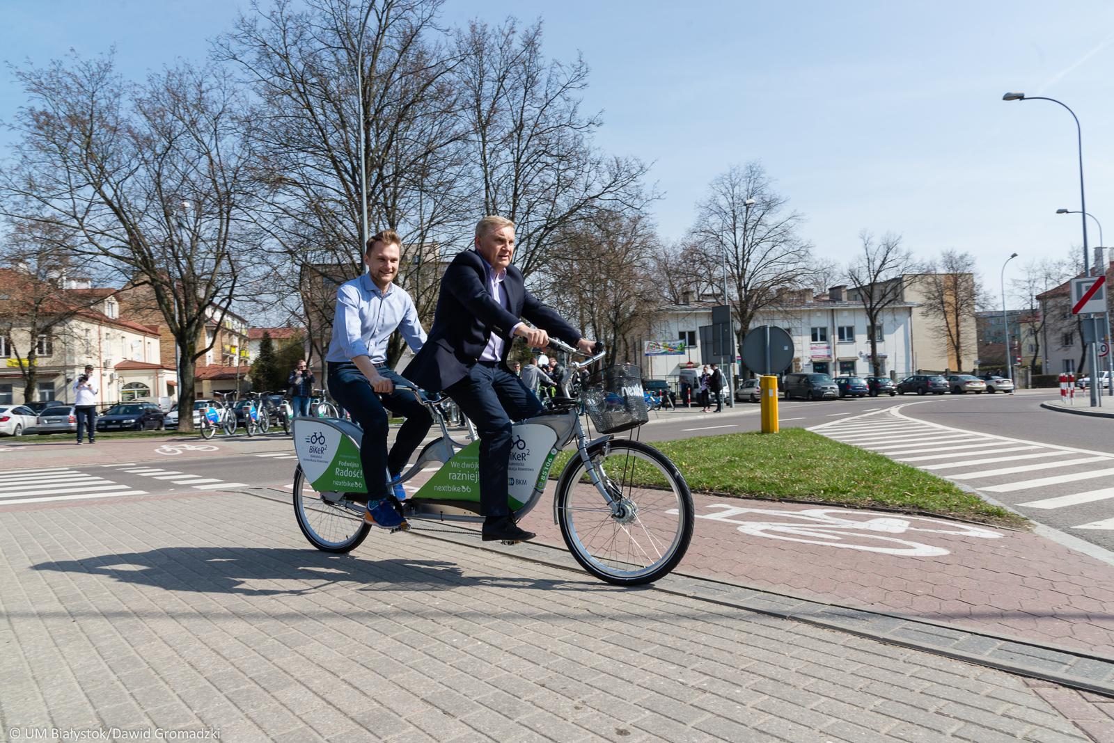 W ofercie jest pół tysiąca rowerów klasycznych - jednoosobowych, a także 20 tandemów oraz 20 rowerków dla dzieci, rozlokowanych w 50 stacjach (fot.bialystok.pl)