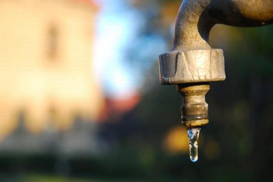 Łódź: Pracownicy wodociągów odnowią zabytkowe studnie