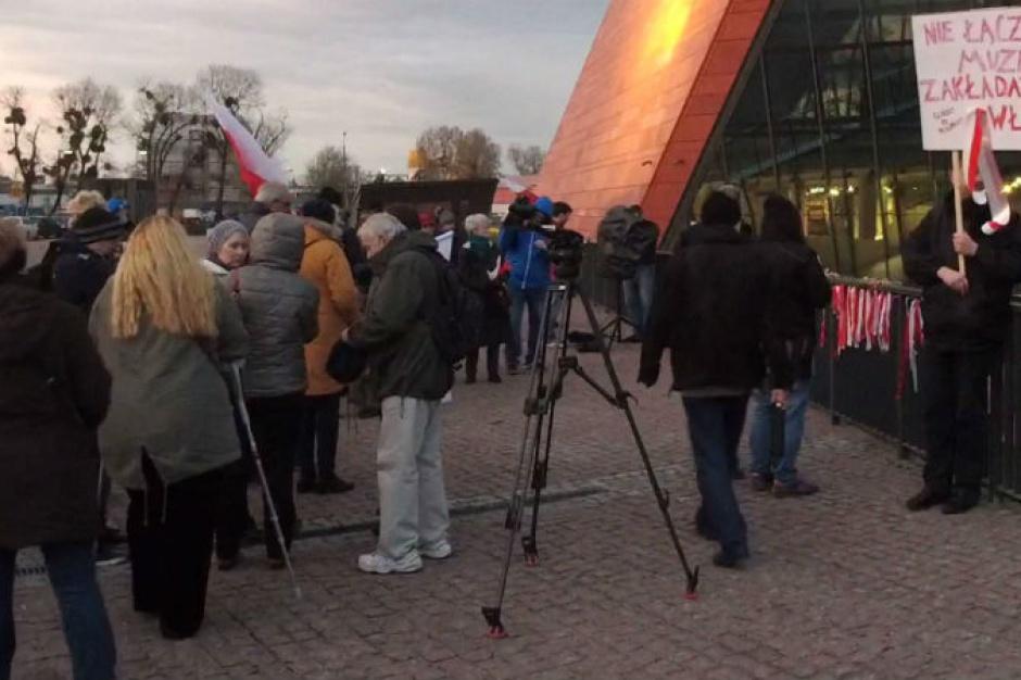 W Gdańsku protestowano przed Muzeum II Wojny Światowej