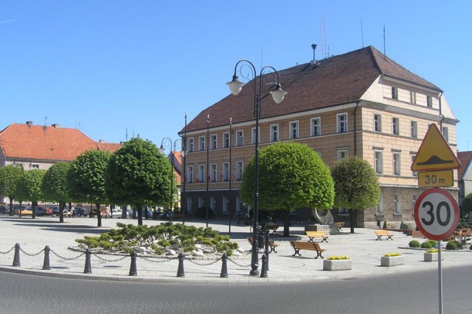 Wielkopolskie: Pleszew dostał 1,4 mln zł z UE na boisko, remonty sal i pomoce dydaktyczne