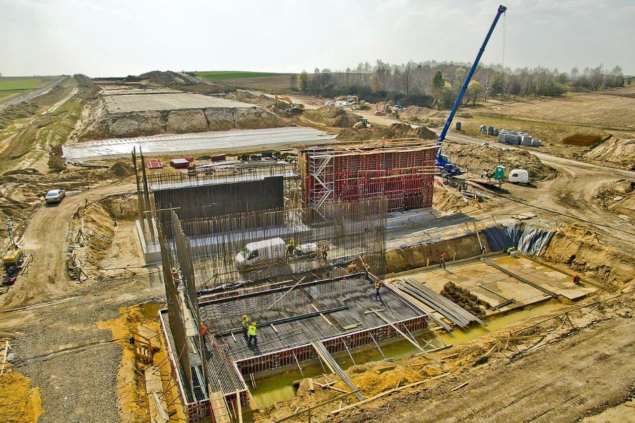 Budowa autostrady A1 pomiędzy Pyrzowicami a Rząsawą. (fot. mib.gov.pl)