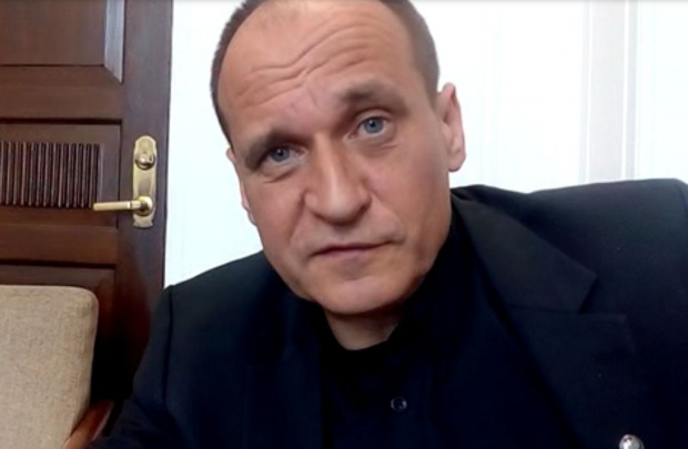 """Paweł Kukiz: Tak dla dwukadencyjności. Sitwy samorządowe """"sprawniejsze"""" niż parlamentarne [wideo]"""