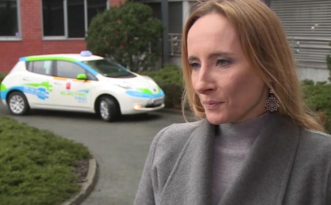 Brakuje realnych zachęt dla potencjalnych kupców tego typu samochodów - mówi Dorota Pajączkowska z firmy Nissan. (fot. Newseria)