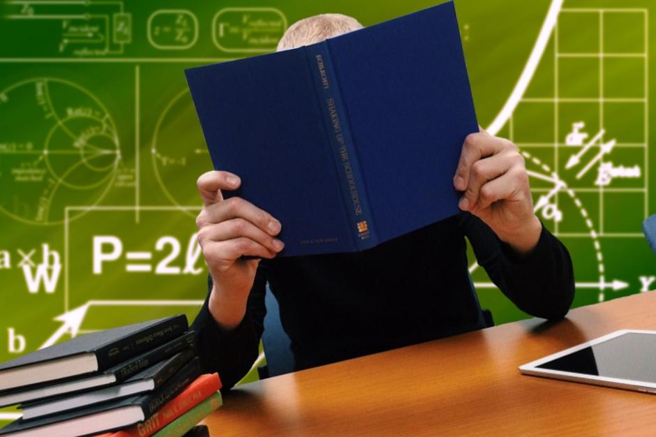 MEN: podręczniki będą gotowe na czas