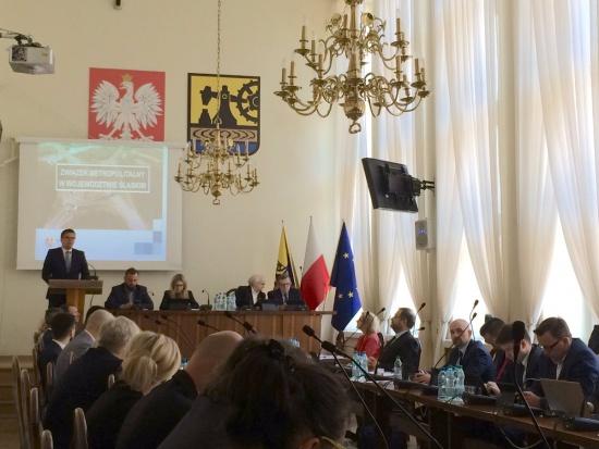 Metropolia w woj. śląskim: Radni przyjęli uchwałę ws. konsultacji