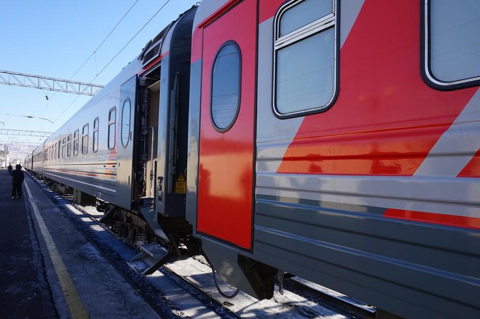 Coraz więcej osób podróżuje w Polsce koleją. Ale nie wszędzie