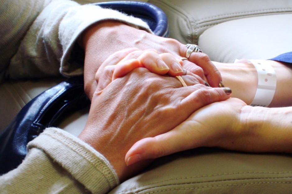 Krakowscy seniorzy uzyskają wsparcie w klubach samopomocy