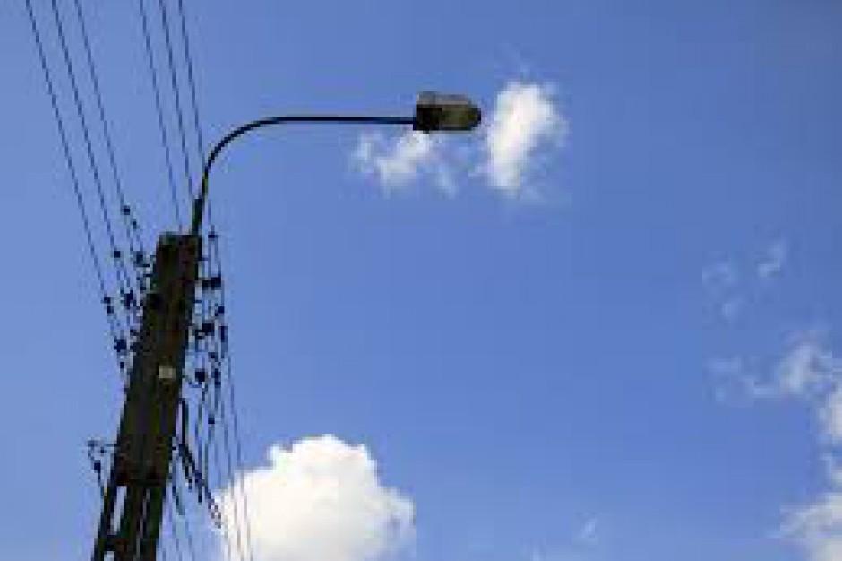 Dostawcy prądu i gminy w sporze o oświetlenie uliczne