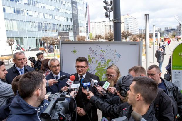 Marcin Krupa podczas konferencji prasowej w Katowicach  nt. sezonu roweru miejskiego (fot. UM Katowice)