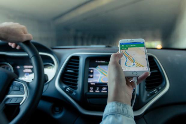 MIB chce zrównać kierowców Ubera z taksówkarzami