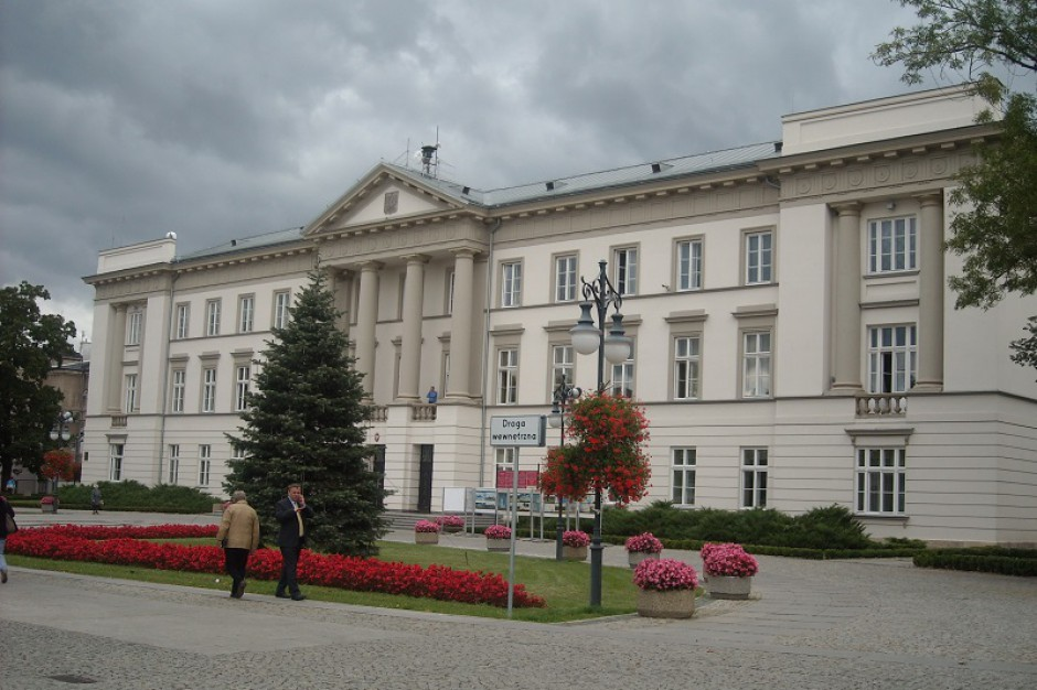 Radni PO bronią prezydenta Radomia