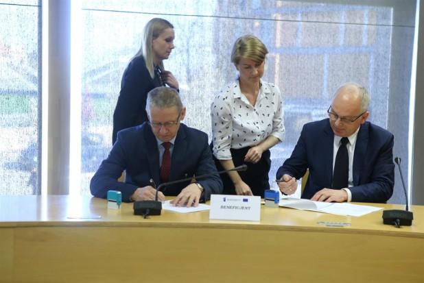 Opolskie: 34 mln złotych na poprawę opieki nad matką i dzieckiem