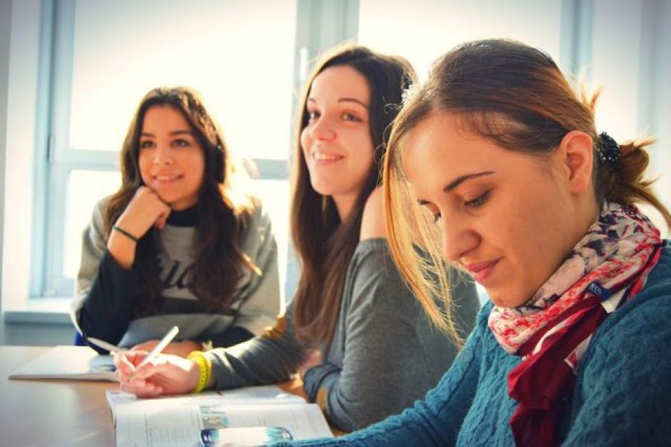 Gimnazjaliści bardziej boją się klasówek cz przemocy w szkole?