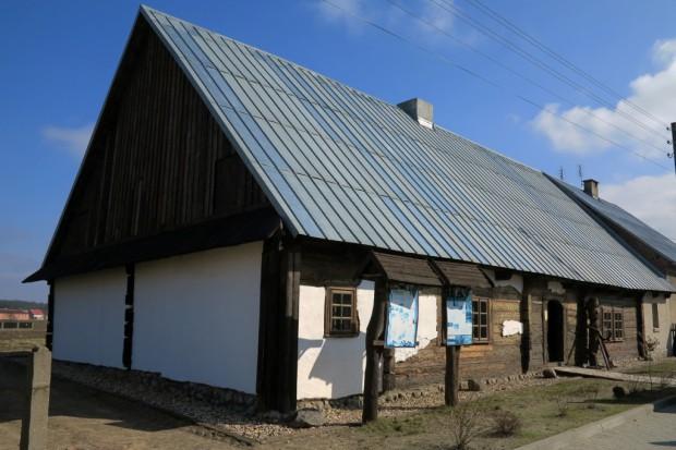 Czworak, nazywany wytwórnią fajek, w Zborowskiem (fot.nib.pl)
