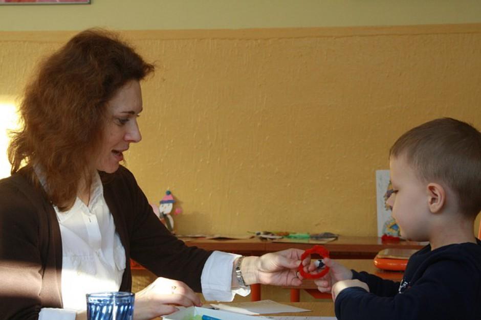 Dofinansowanie zatrudnienia asystentów rodziny dla gmin. Do kiedy wnioski?