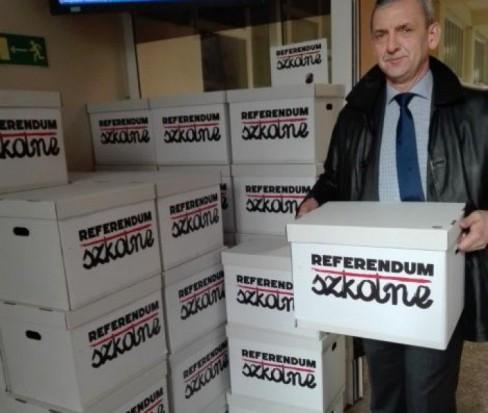 PiS ws. referendum edukacyjnego: Nie ma powodów, by ulegać histerii Broniarza